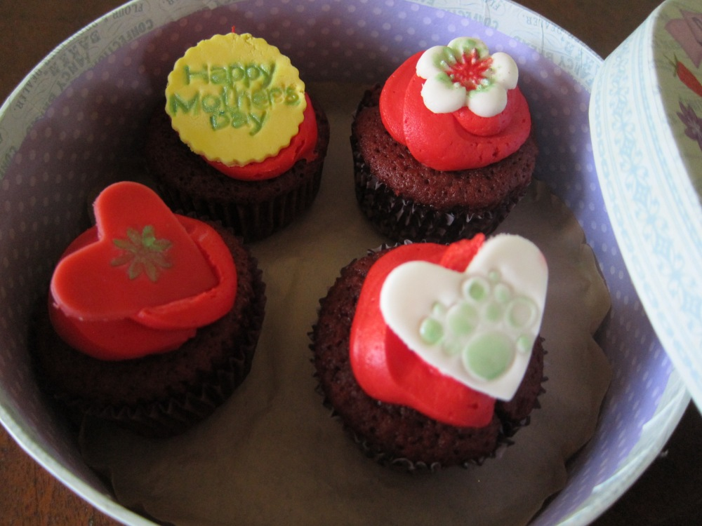 Cupcakes in all flavors are $2.50 (add'l .75 with personalized fondant topper)