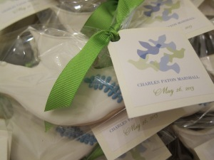 Label, ribbon, cookie...it all comes together for a beautiful and yummy favor...