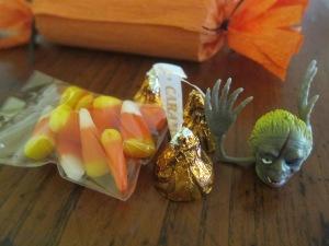 Content of Halloween Cracker