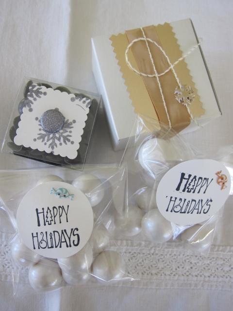 Gumballs / snowballs! Pretty boxes...