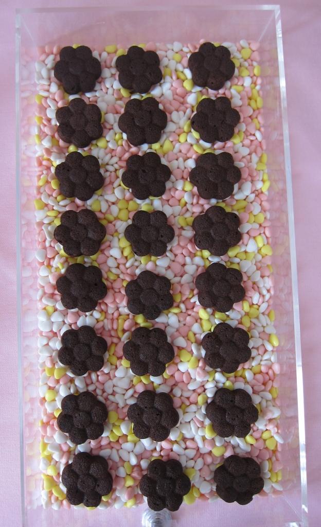Mini flower brownies
