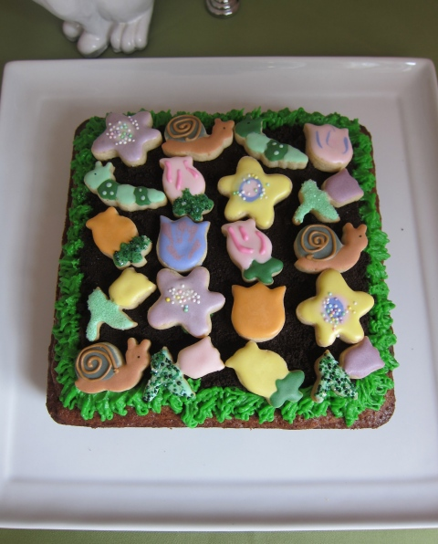 Flower bed over a carrot cake!