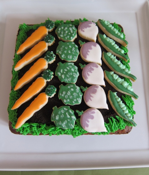 Eat-your-veggies carrot cake!