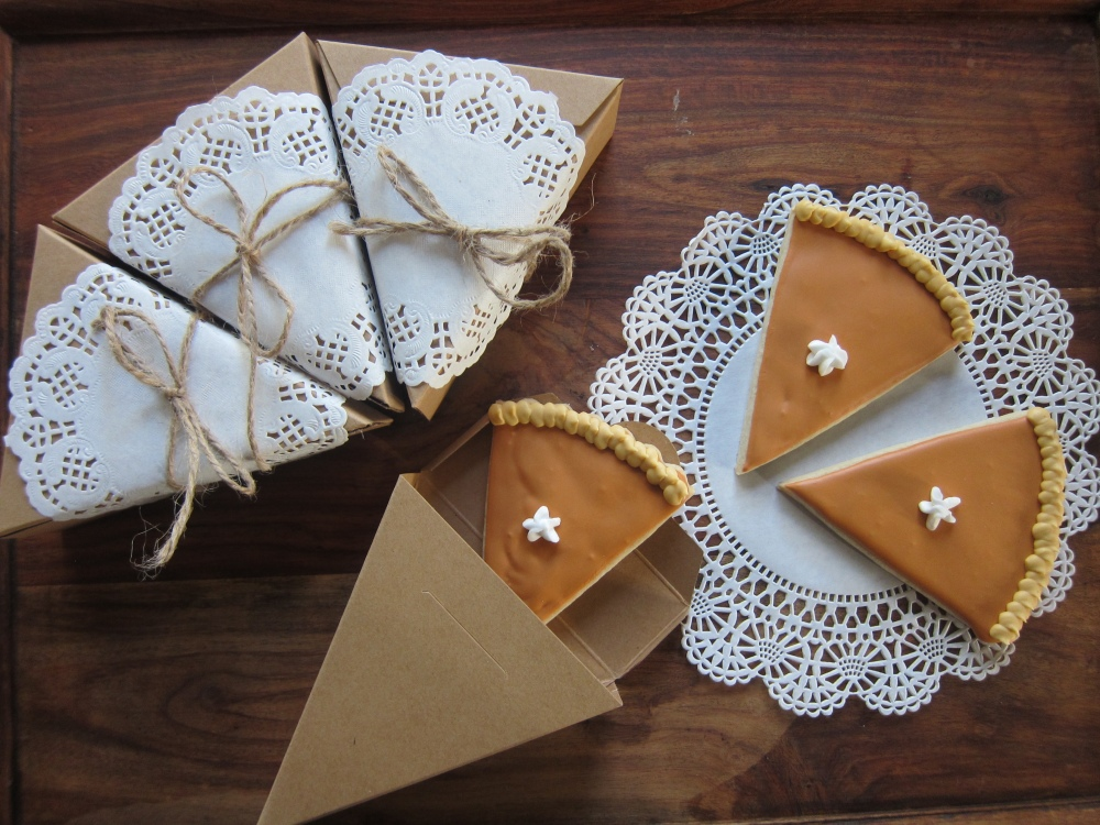 These pie-cookies are just too cute in their individual package> Perfect as favors or place-settings!!