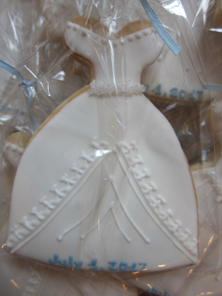 Bridal Shower Cookies for a Fashionista – Sweet Tablescapes